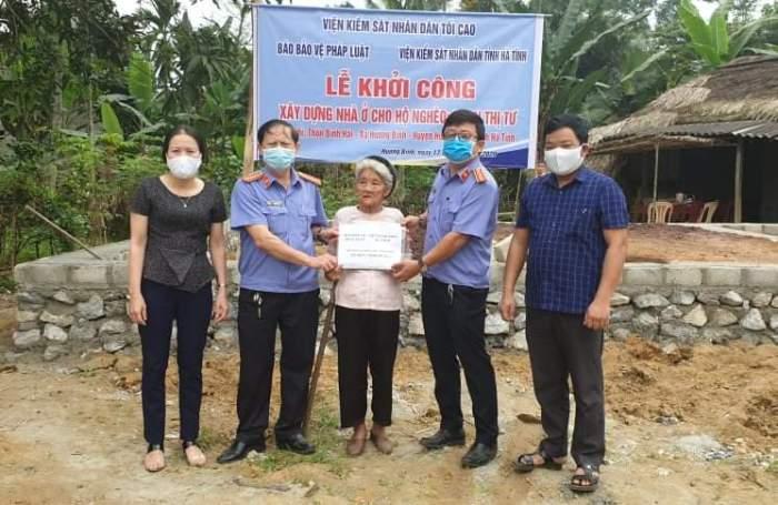 Viện kiểm sát nhân dân tỉnh Hà Tĩnh phối hợp với Báo Bảo vệ pháp luật hỗ trợ xây dựng nhà ở cho hộ nghèo